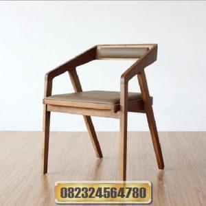 kursi makan kayu, kursi makan informa, kursi makan ikea, kursi makan bayi, kursi makan bes
